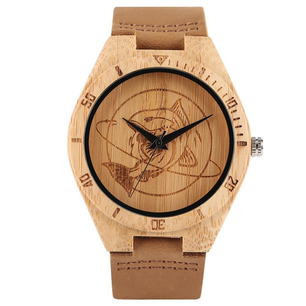 f33ac244423 Compre Top De Madeira Relógios Mens Artesanal Brown Shark Dial Escamado  Sports Quartz Relógio De Couro Genuíno Pin Fivela Masculino Reloj De Madera  De ...