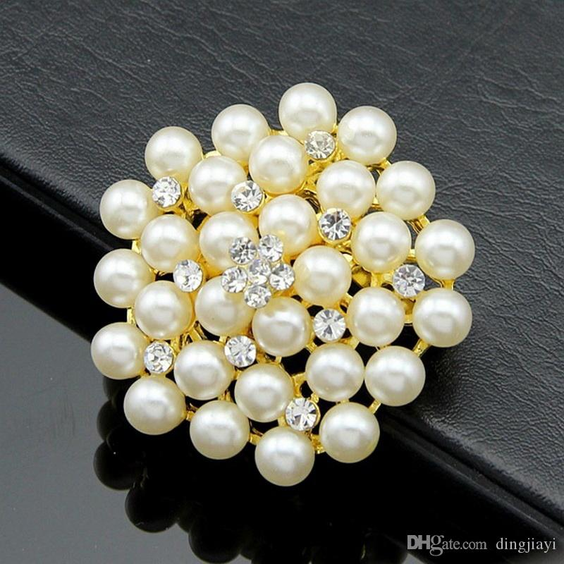 Exquisite Imitation Cream Pearl Flower Pin Brooch Diamante Rhinestone Wedding Brooch Pins Gold Plated Elegant Women Broach