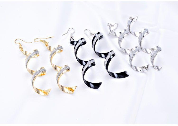 Moda Punk Kadınlar Büküm Spiral Küpe Lady Kız Dangle Küpe Charm Takı sevgililer Günü Hediye Gümüş Altın Siyah 3 Renkler