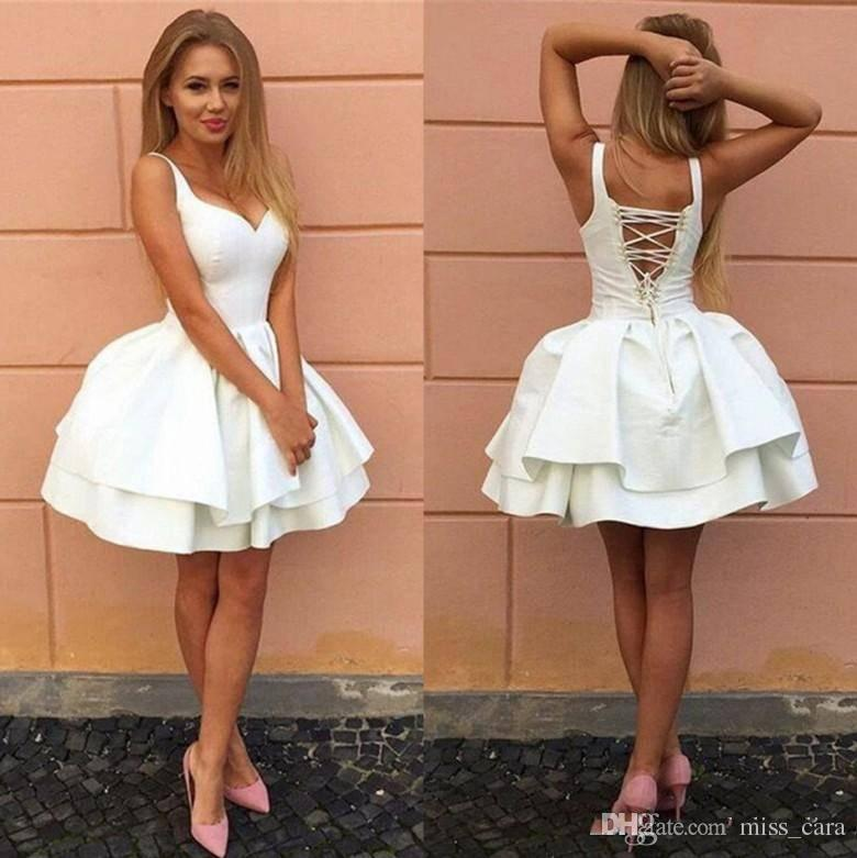 Sexy Criss-cross Straps Backless Little White Prom Dresses V Neck Tiered Short Homecoming Dress 2018 Puffy Cheap Cocktail Gowns