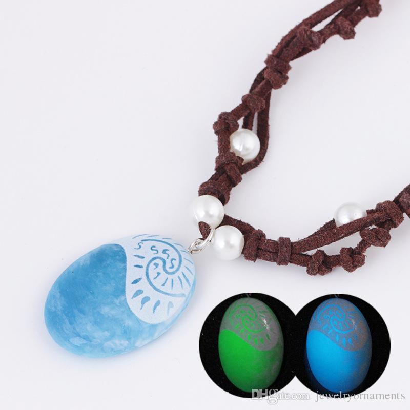7cfec462a433a Compre Luminosa Colar Oceano Romance Azul Pedra Coração Pingentes Colar  Para As Mulheres Jóias Femininas Brilham No Escuro Corda Cadeia Colares De  ...