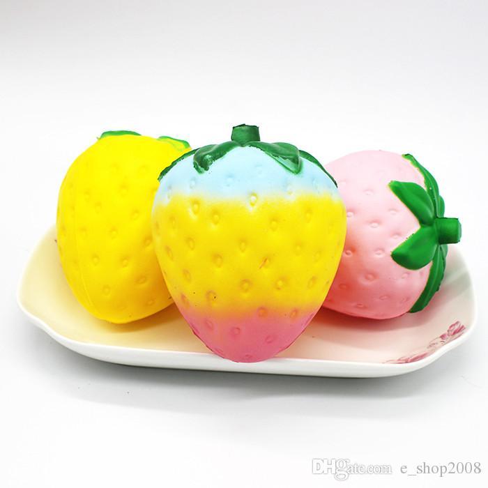 Fraise Squishy jumbo simulation Fruit Shape kawaii Squishies à croissance lente artificiels queeze jouets sac charme de téléphone 12cm big Colossal