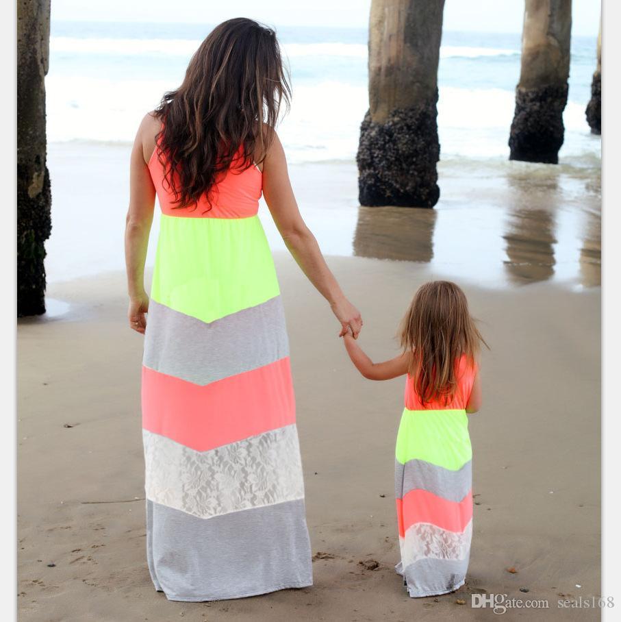 여름 엄마와 나 인쇄 스트라이프 드레스 어머니와 딸 비치 드레스 가족 부모 아이 드레스 HH7-1060