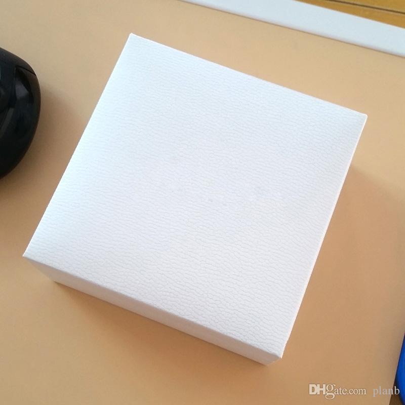 Scatole di visualizzazione dei gioielli di velluto nero quadrato bianco Imballaggio il braccialetto del braccialetto di stile di Charms di Pandora Collana originale Borsa da regalo di San Valentino
