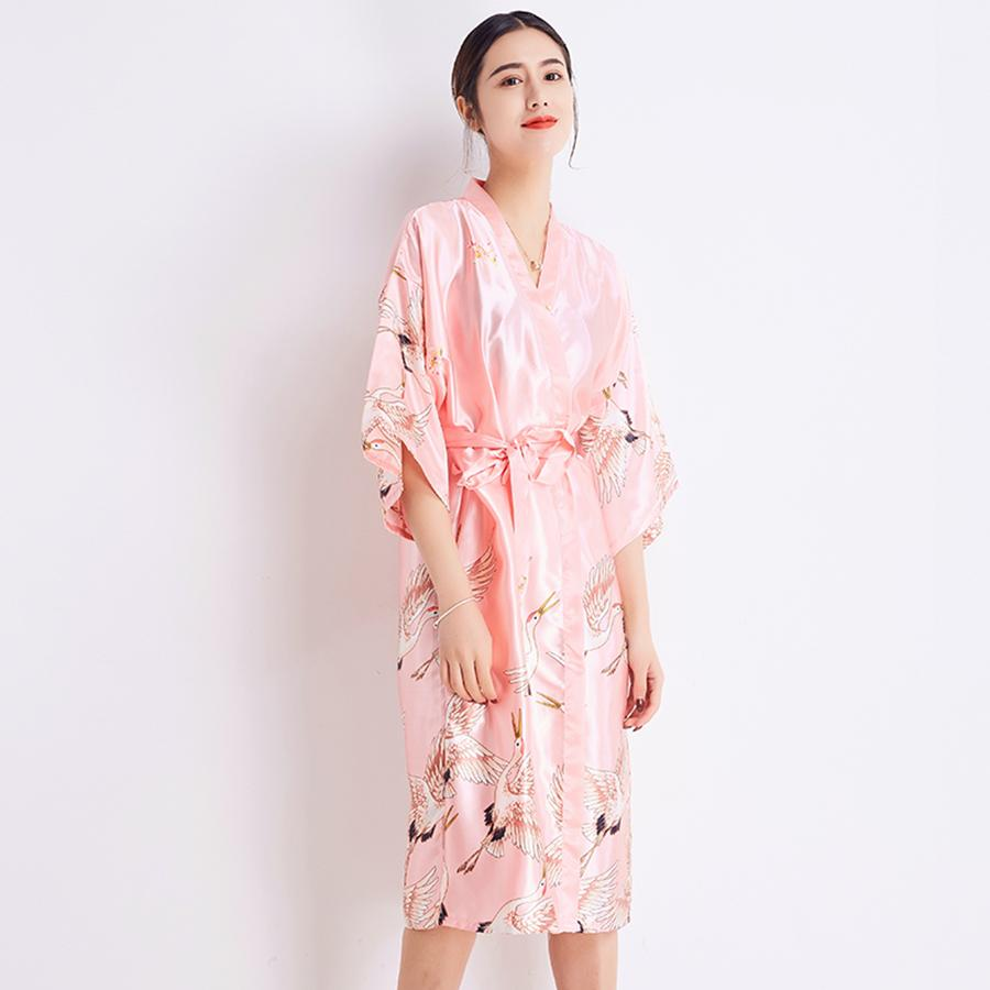 47c0c1b0d5 2019 Sexy Women PINK Sleepwear Summer Bride Bridesmaid Wedding Robe Rayon Kimono  Bathrobe Long Nightdress Casual Home Wear M XXL From Tutucloth