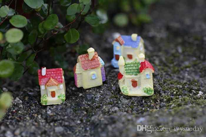 Criativo Resina Decoração Mini Villa Dos Desenhos Animados Modelo Casa Pequena Musgo Terrário Micro Paisagem Pote de Plantas Verdes Acessórios de Jardim De Fadas DIY Zakka
