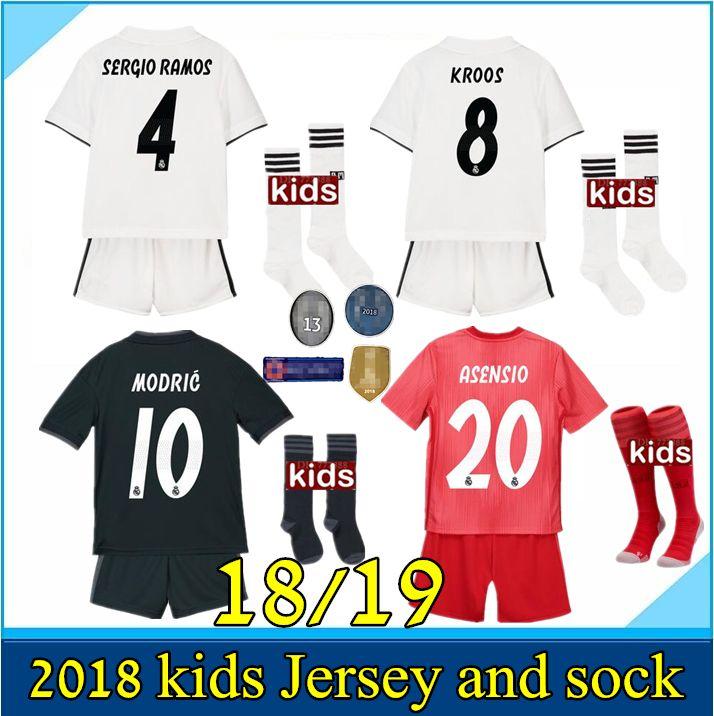 8042666746f14 Nuevo 2018 2019 Real Madrid Camiseta De Fútbol Kits Infantiles 18 19  RONALDO Asensio SERGIO MODRIC RAMOS MARCELO BALE ISCO Camisetas De Fútbol  Infantil ...