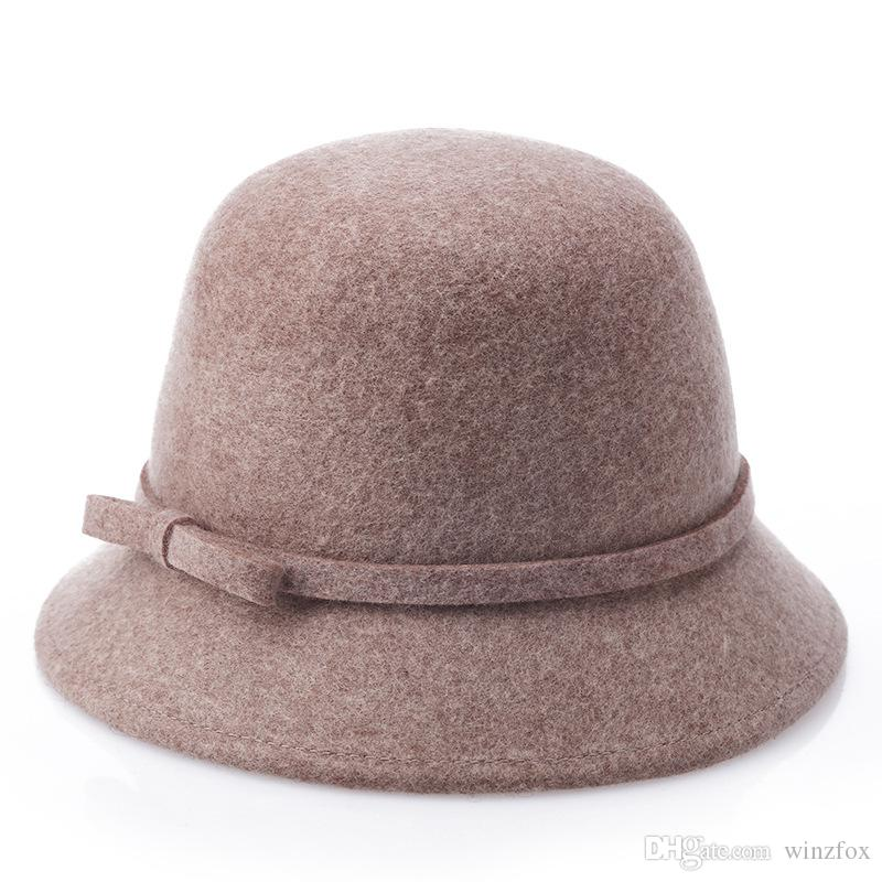 Compre 100% De Lã Sentiu Cloche Chapéu Mulher Outono Inverno Balde Chapéus  Bonito Sino Forma Chapéu De Senhoras Chapéu Profissional Atacadista  Presente ... 0c6a22d898