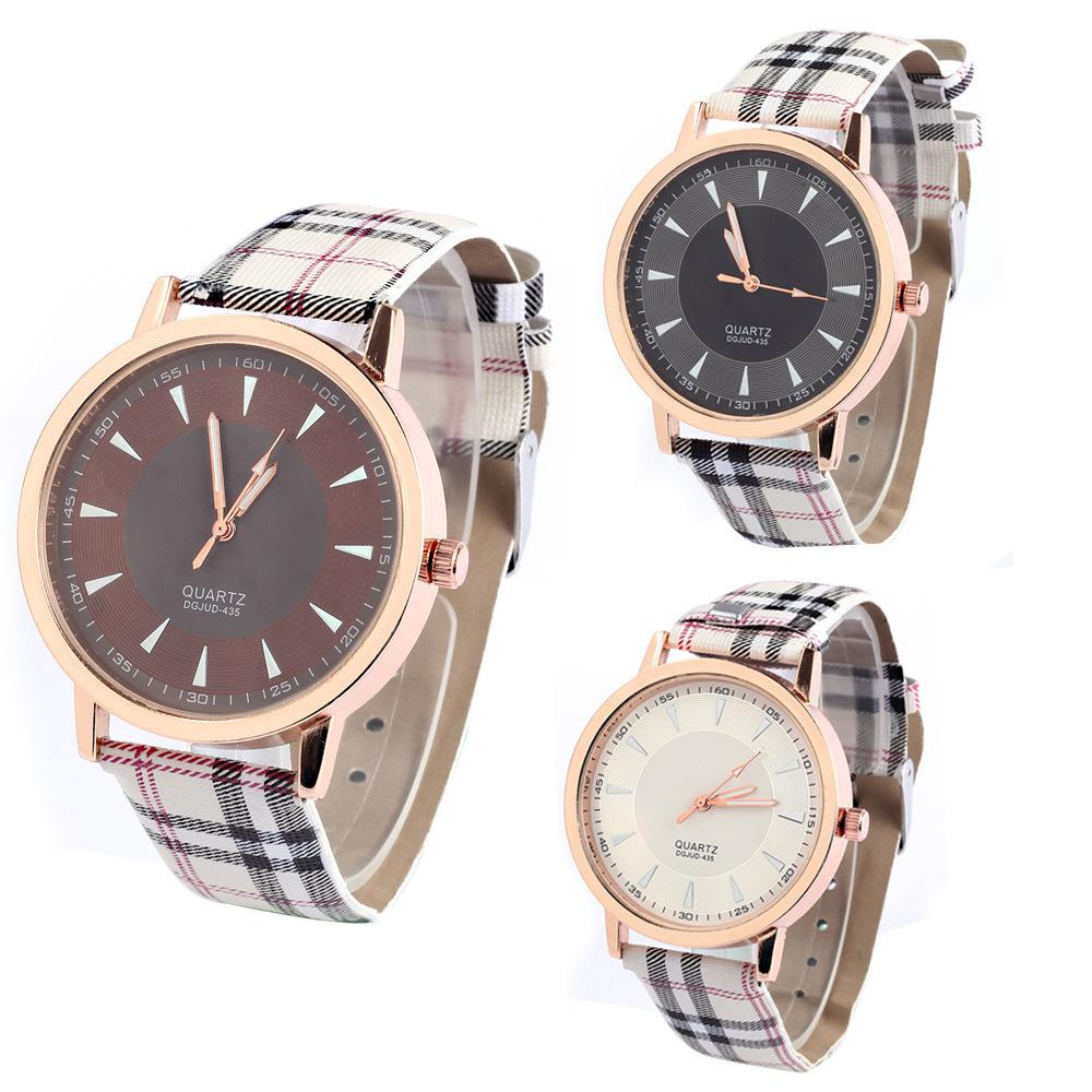 Compre Señoras Reloj Simple 2018 Nuevo Estilo De La Correa De Tela Escocesa  De La Moda Señoras Reloj Estudiante Reloj Electrónico Envío Gratis A  4.53  Del ... 8ec8fe651bfe0