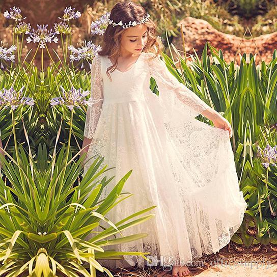 Yeni Plaj Çiçek Kız Elbise 2018 Boho İlk Communion Elbise Küçük Kız V Yaka Uzun Kollu A-Line için Ucuz çocuklar için Düğün Elbise