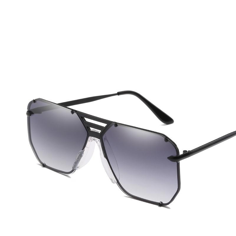 cb30d2597379b Compre 2018 Moda Óculos De Sol Das Senhoras New Designer De Marca Óculos De  Armação De Metal Retro Óculos De Sol Dos Homens Uv400 Tons Des Lunettes De  ...