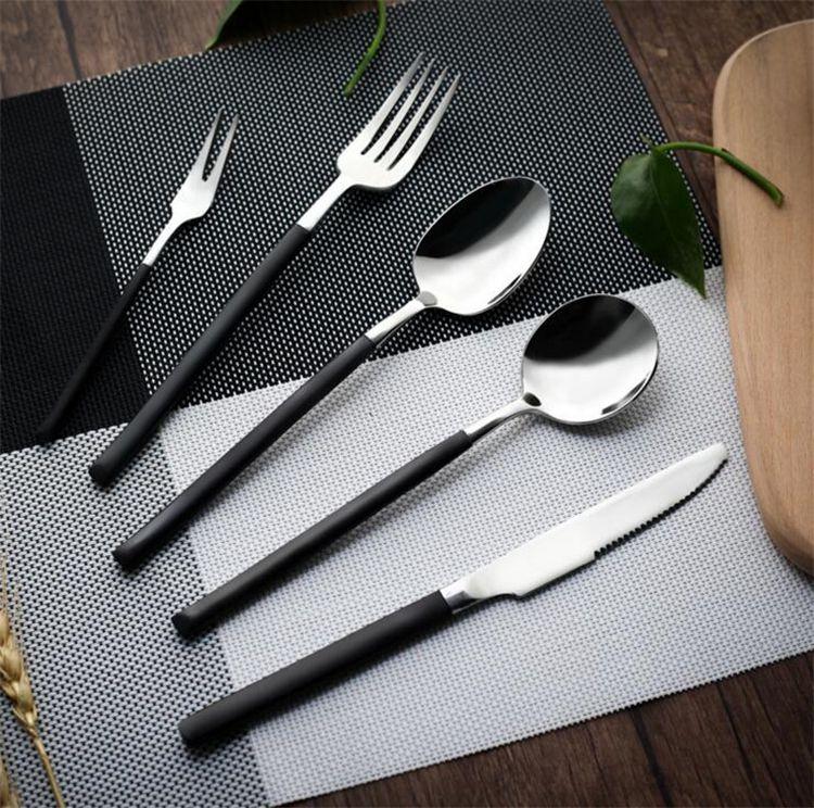 Nuevos China V En forma de acero inoxidable Oro y plata Cubiertos Cuchillos Vajilla de comida occidental Tenedor Cuchillo Cuchara Vajilla con mango IB461