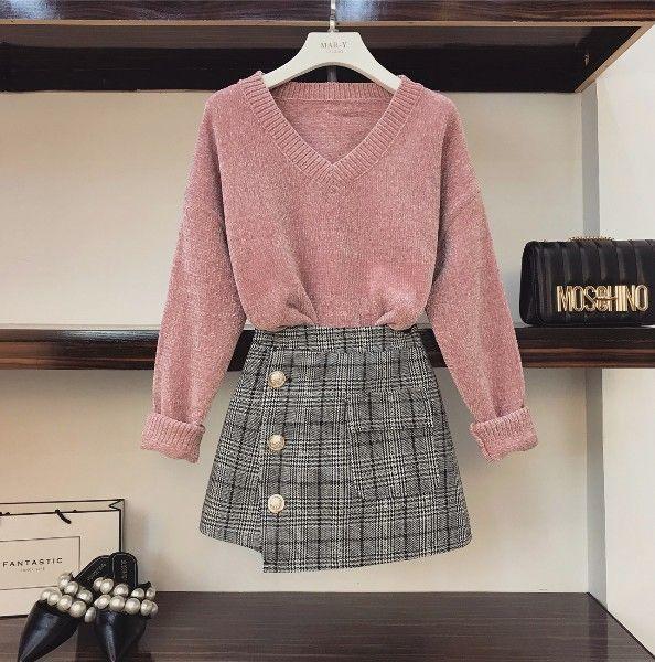 Compre 2018 Nueva Moda Otoño De Las Mujeres Con Cuello En V Suelta Suéter  De Punto + Cintura Alta Falda Pantalones Cortos De Dos Piezas Para Mujer  Falda ... 41ed2bc6d83c