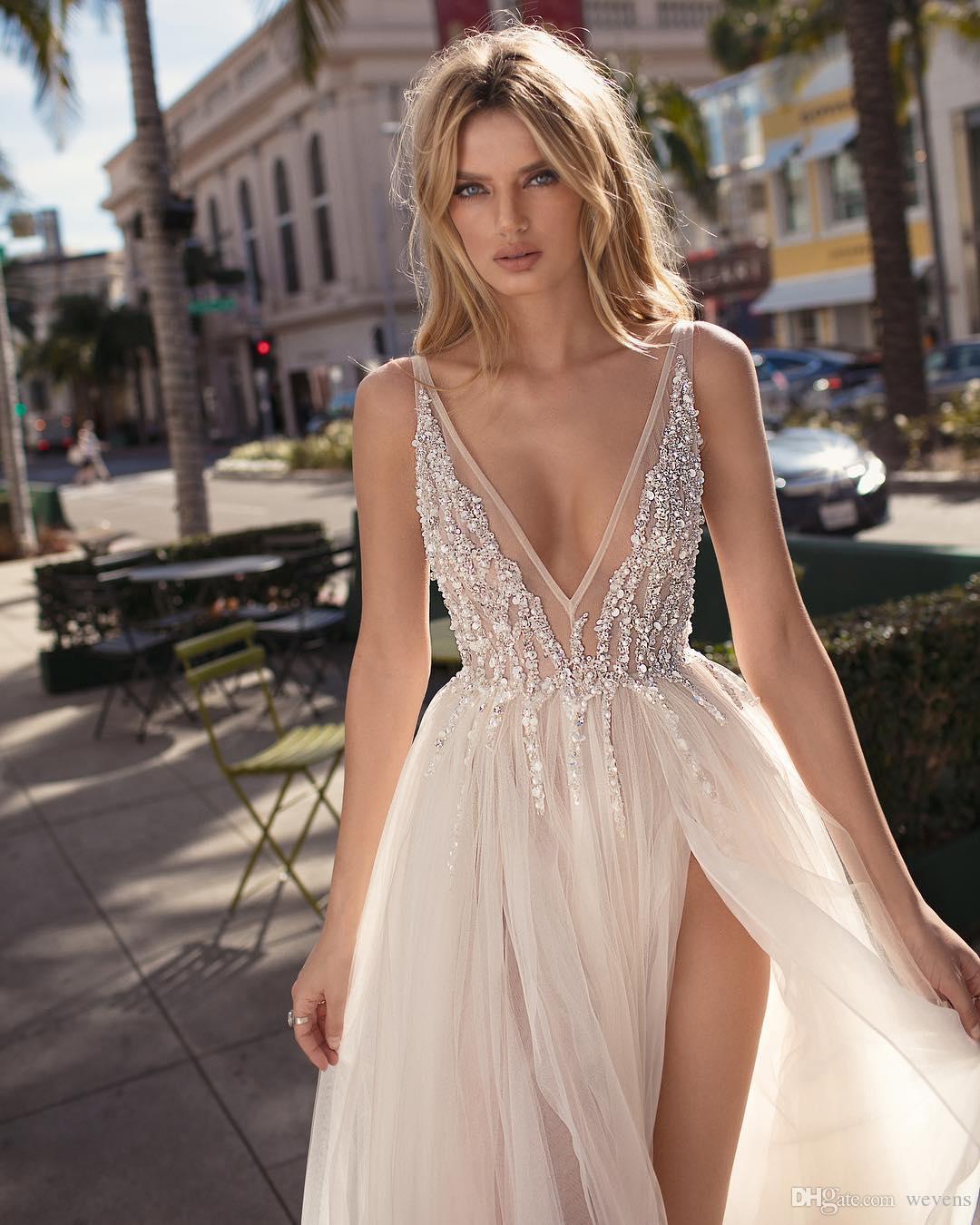 2019 Berta Beach Robes De Mariée Perlée Profonde Col En V Robes De Mariée Bohémienne Une Ligne Côté Fendue Au Sol Longueur Tulle Robe De Nouvelle