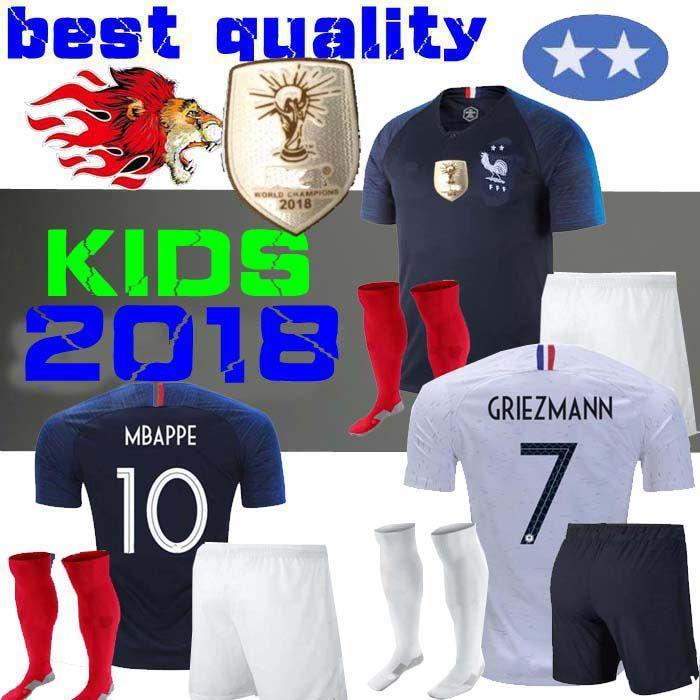 Franca 2 Estrellas 2018 Camisetas De Fútbol Para Niños De La Copa Del Mundo  18 19 POGBA Camisetas De Fútbol De Griezmann Mbappé Kits De Camisetas  Francia ... 0d4032e93112a