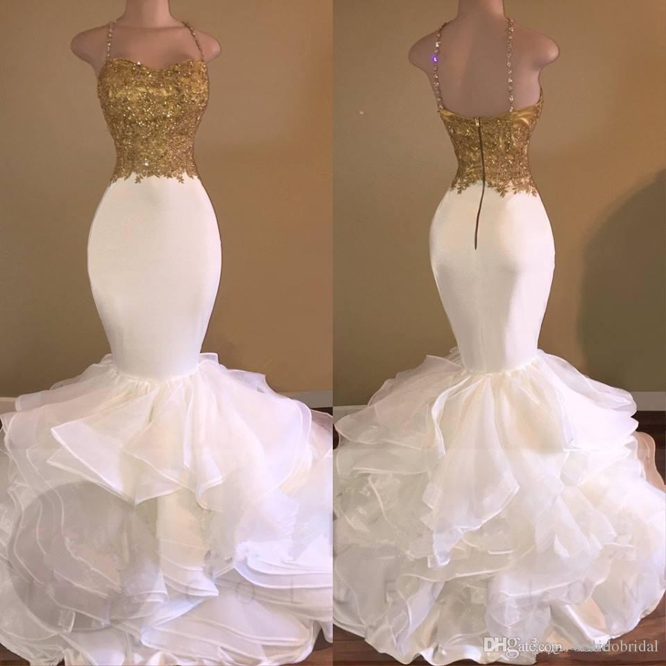 Tasarımcı Altın Ve Beyaz Mermaid Gelinlik Modelleri 2018 Spagetti Backless Ruffles Aplikler Abiye giyim Pageant Elbise Resmi robe de soiree