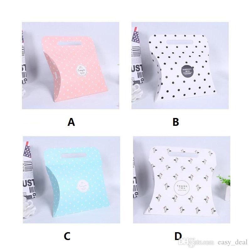 Bomboniera Bomboniera Scatole colorate cuscini Forma Bomboniere neonati Scatole regalo con manico ZA6155