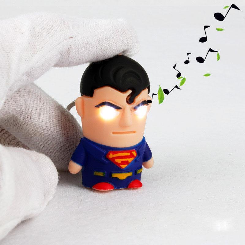 Super-héros Batman Iron Man Spiderman Superman Capitaine America Porte-clés Mini Figurine Jouets LED Porte-clés Light Ring Mode Drop Ship