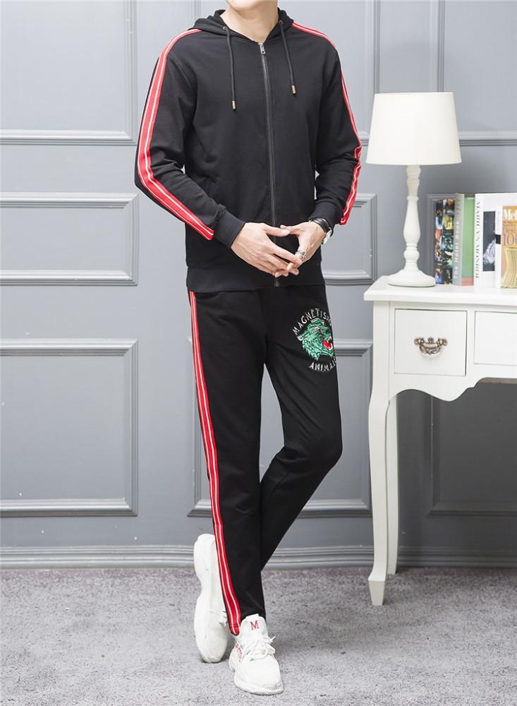 0dc65b7fdc4b8 Compre Joggers Chándal Moda Primavera Y Otoño Temporada Nuevo Patrón Ocio  Tiempo De Movimiento 2018 Traje Atlético Traje De Vestir Hombre Trotar  Hombres A ...
