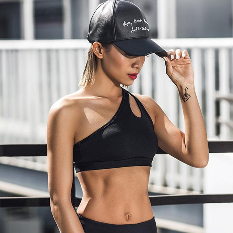 7aa81ba15cfb0 2019 2017 Sexy One Shoulder Solid Sports Bra Women Fitness Yoga Bras Gym  Padded Sport Top Athletic Underwear Workout Running Clothing From  Miaoshakuai