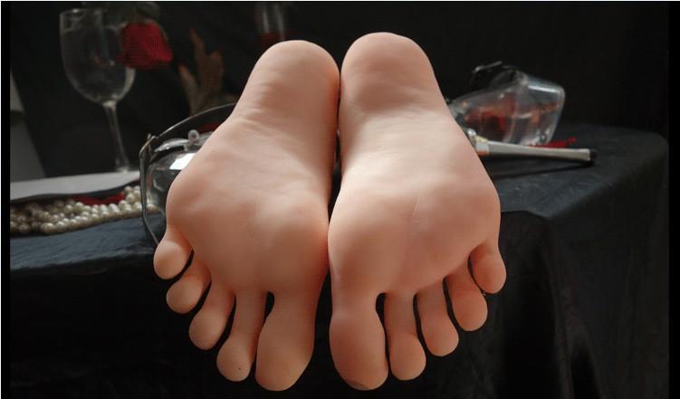 Bambole sexy del sesso della pelle Masturbazione giapponese Silicone pieno a grandezza naturale Piedini falsi Foot Fetish Toy Giocattoli sexy Modello di piede