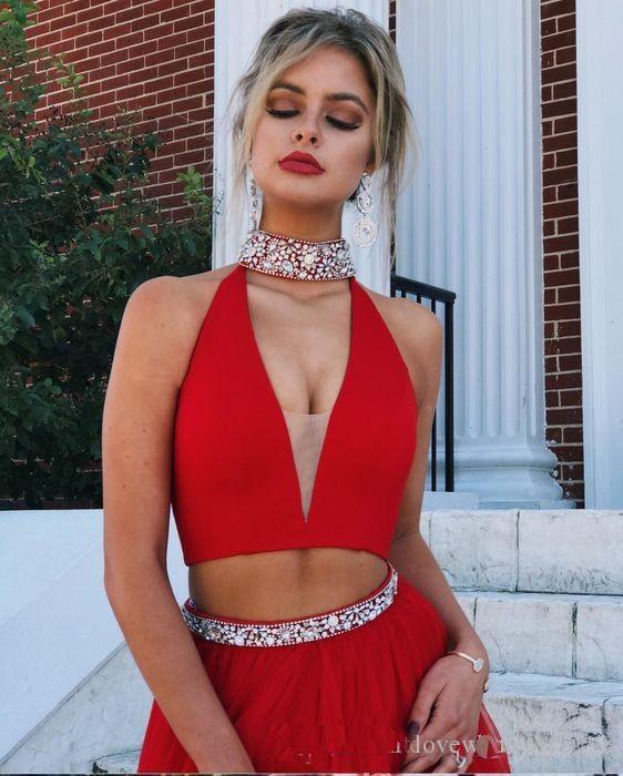 2019 Sexy Fashion V-Ausschnitt Zweiteiler Prom Dresses Shiny Crystal Beads Ärmellos High Side Slit Runway Abendkleid Formal Wear