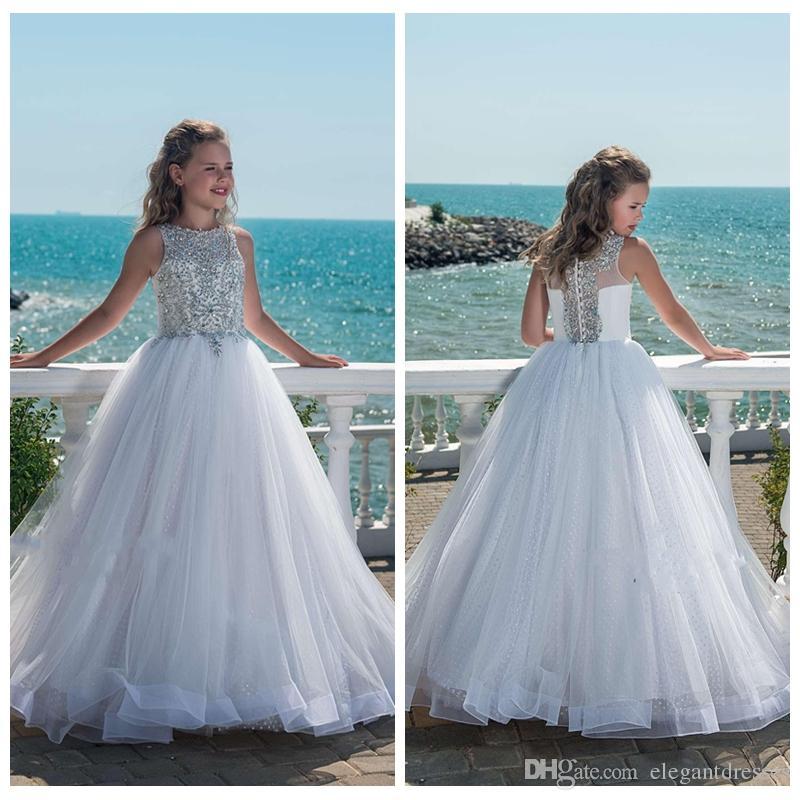 Acheter 2018 Bling Bling Perles En Cristal Blanc Filles Pageant Robes Pour  Les Adolescents Tulle Étage Longueur Plage Robes De Fille De Fleur Pour Les  ... 02d4148d1ba1