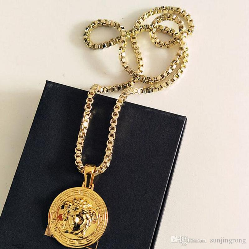 Hot Brand Men Alloy Necklaces Fashion Pendants Hip Hop Rock Star Gift for Friends Good Decoration for Clothings