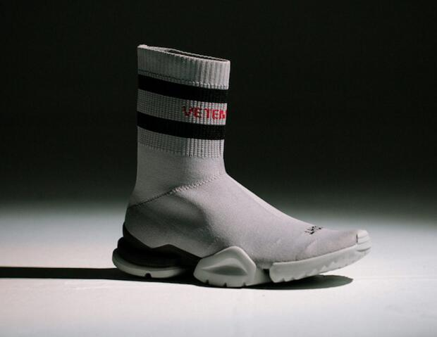 707da5616eb5 2018 Top Sneakers Vetements Crew Sock Runner Trainers Shoes Mens And Womens  Casual Shoes Hight Skechers Shoes Mens Dress Shoes From Brandnewshoes2020