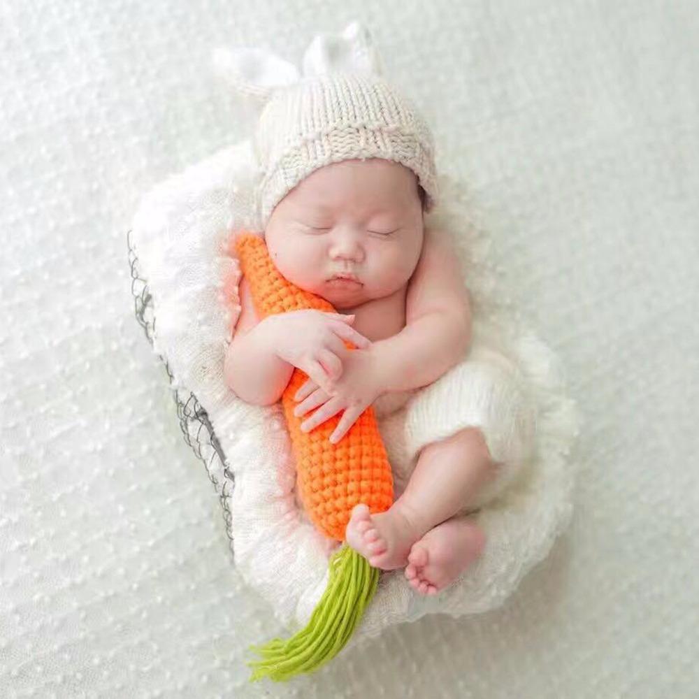8f42e7989 Compre Puseky Recién Nacido Props Fotografía Encantadora Conejo Disfraz  Oídos Sombrero + Pantalones + Zanahoria Hilado De Algodón Hecho A Mano  Estudio De ...
