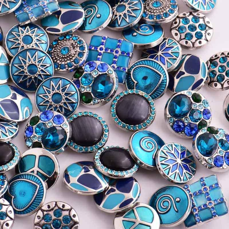 Botón de broches de joyería / estilos de mezcla 18mm Rhinestone botón a presión de metal Charm Fit pulseras de NOOSA pedazo