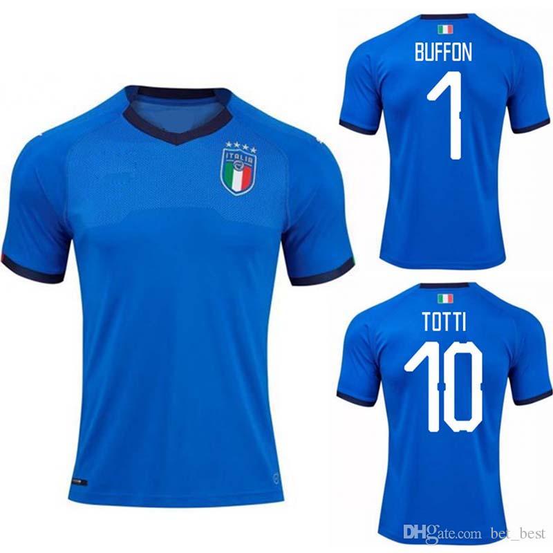 3c51cb0552 Compre 2018 Copa Do Mundo De Itália Jersey INSIGNE ZAZA EL SHAARAWY PIRLO  MARCHISIO De Rossi Bonucci Verratti Personalizado Buffon Italia Futebol  Camisa De ...