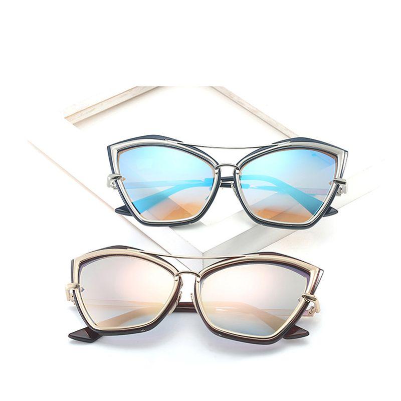 Compre Luxo Cat Eye Sunglasses Mulheres Design De Moda Retro Do Vintage  Óculos De Sol Das Mulheres Do Sexo Feminino Senhoras De Óculos De Sol Para  Show ... 42f9cfedff