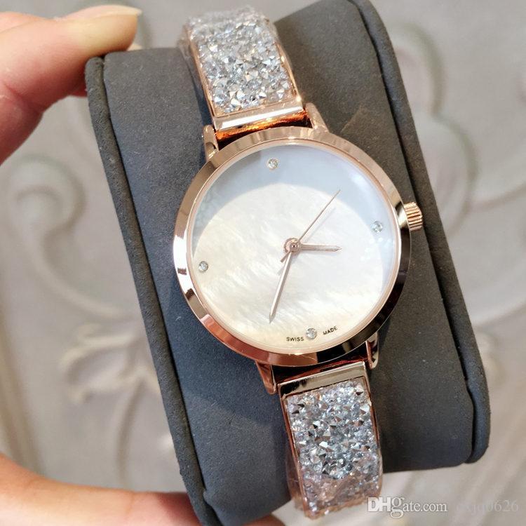 2019 새로운 모델 패션 럭셔리 여성 시계 다이아몬드 로즈 골드 특별 디자인 Relojes 드 마르카 Mujer 레이디 드레스 시계 석영 드롭 배송