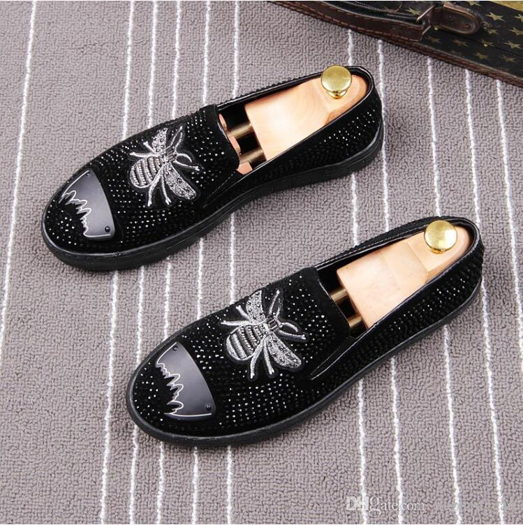 2018 New style Italian Men's set foot loafers small bees water drill shoes party wedding men's flat Business Office Casual Shoes M675