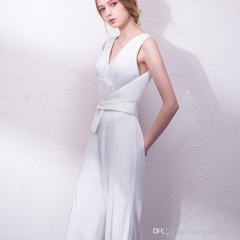 1c15a4d9bc Vestidos Estampados Elegante Branco Ou Preto Tafetá Vestido De Baile Com  Decote Em V Sem Mangas Pantskirt Com Sash Ruffles Voltar Oco Onepiece  Vestido De ...