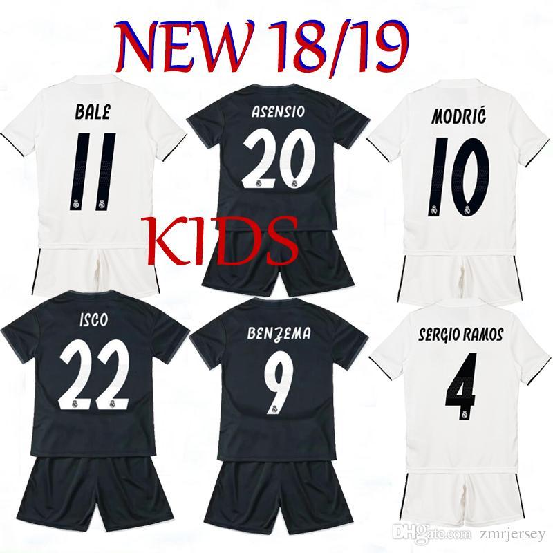 67287a3ee Großhandel 2019 Kids Kit Real Madrid Fußballtrikot 2018 19 Home Weiß  Auswärts Schwarz Jungen Fußballtrikots Isco Asensio Bale Kroos Kinder  Fußballshirts Von ...