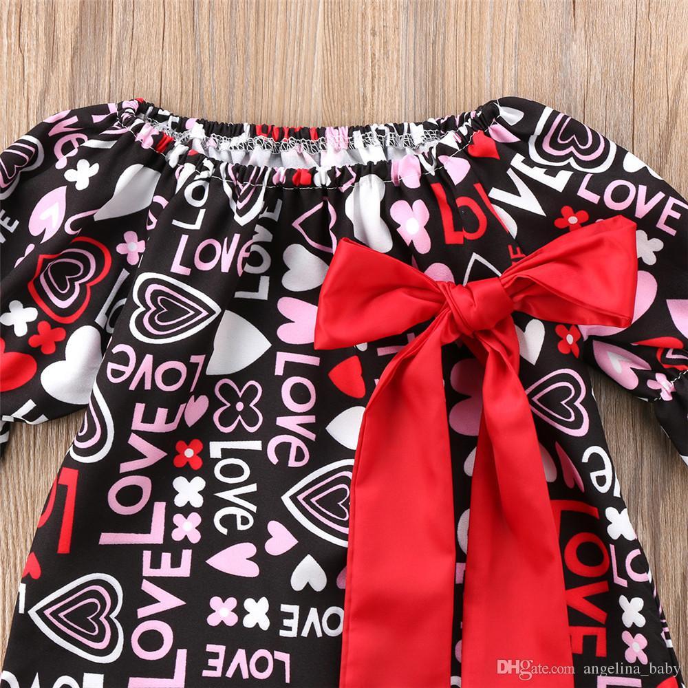 Nuovi abiti le ragazze 2018 Cute Love Letter Cuore stampato Princess Dress Big Red Bowknot Mezza manica Kids Dress Girl Round Collar Dress Z11