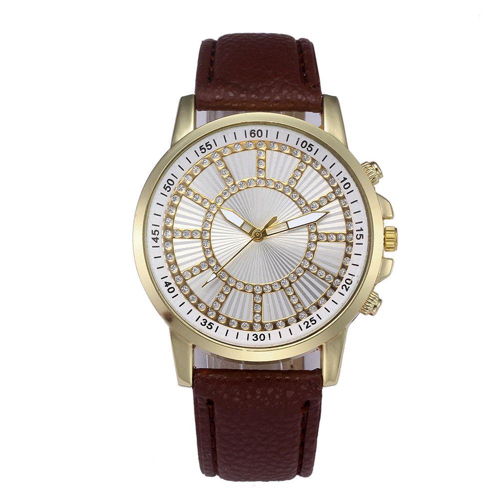 14b3e5835d2 Compre Moda Feminina Relógio De Couro 2018 Simples Digital Dial Diamante  Simulação De Quartzo Relógio Pulseira Mulheres Relógios De Luxo A70 De  Qiugaoliang