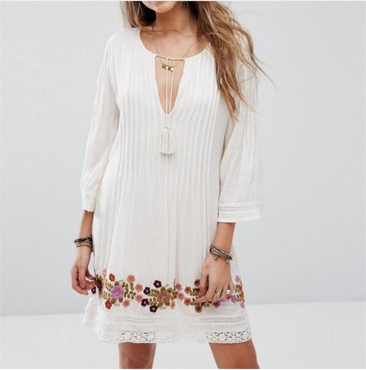 d655d696a Bordado de la flor blanca Mini vestido de algodón borlas de verano Tie In  Fronts con cuello en V plisado Crochet Boho Sexy Beach Vestidos de mujer