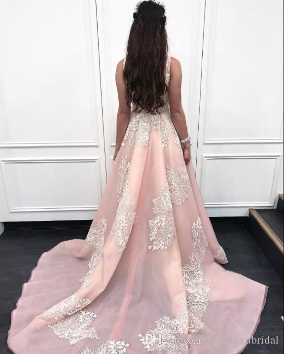 2018 novos vestidos de noite usam luz rosa quadrado pescoço sem mangas de renda branca apliques tribunal trem organza festa barato quinceanera vestidos