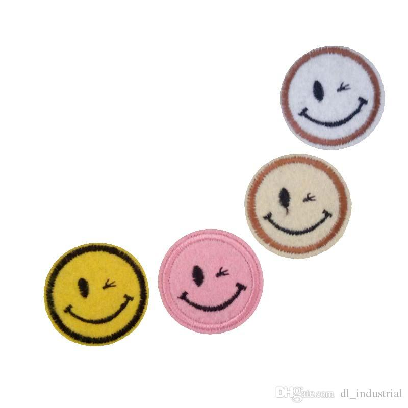 Embroidered cloth patch Dia. 3.5cm Round smiling face appliques Back gum Ironing sewing patch T-shirt jeans clothing accessories DL_CPIS010