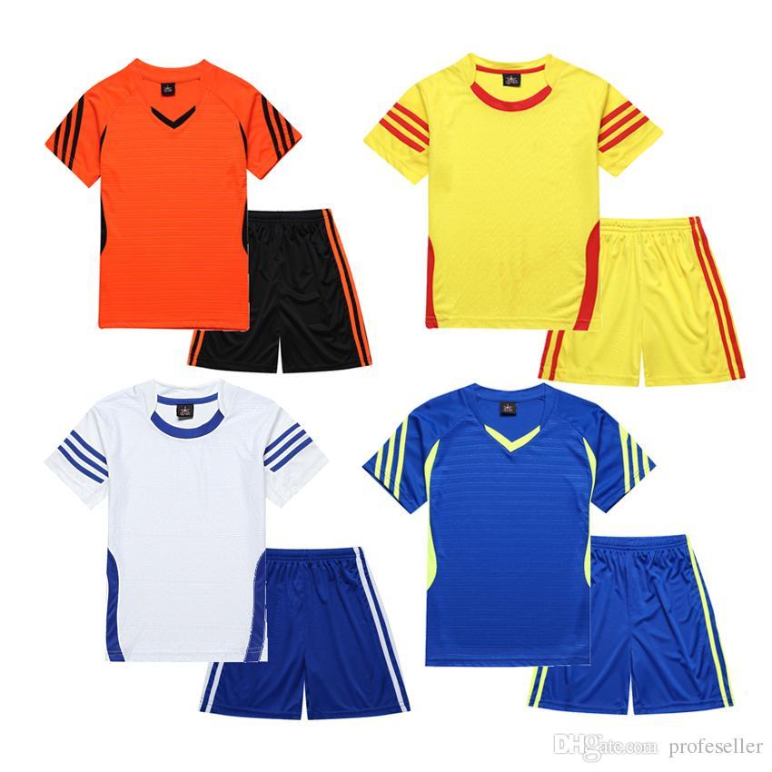 d359c8ef7408e Compre Conjunto De Jersey De Fútbol Nuevos Trajes De Entrenamiento De Fútbol  Para Adultos Conjuntos De Fútbol Kits De Fútbol Niños Jerseys  Personalizados ...