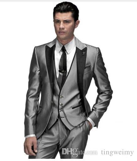 Acquista 2018 Giacca Smoking Uomo Grigio Scuro Smoking Smoking Smoking  Smoking Abiti Da Uomo Best Suit Giacca + Pantaloni + Gilet + Cravatta A   82.94 Dal ... 3cbad5c292b