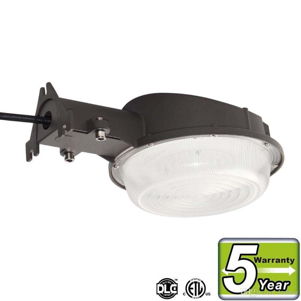 Photocell led wall lamp 35w led barn light dusk to dawn outdoor yard light 5000k daylight white dlc etl listed