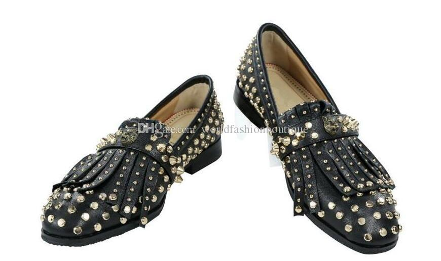 2018 fashion men leather shoes dress shoes loafers full spike stud men flats party shoes point toe beading stud loafers slip on wedding shoe