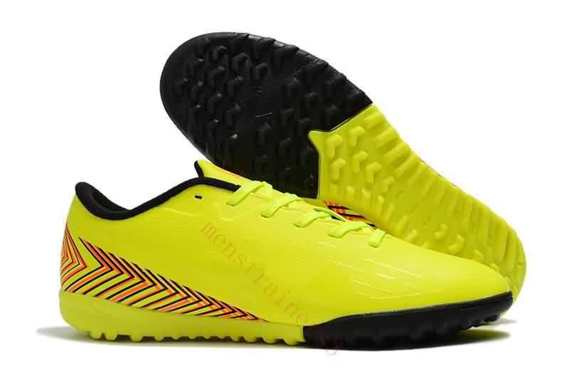 2019 2018 New Mens Indoor Football Shoes Mercurial Vapor XII Club TF IC  Soccer Cleats Turf Superfly VaporX CR7 Ronaldo Soccer Boots From  Onlinechat 74b7ad187c9b5