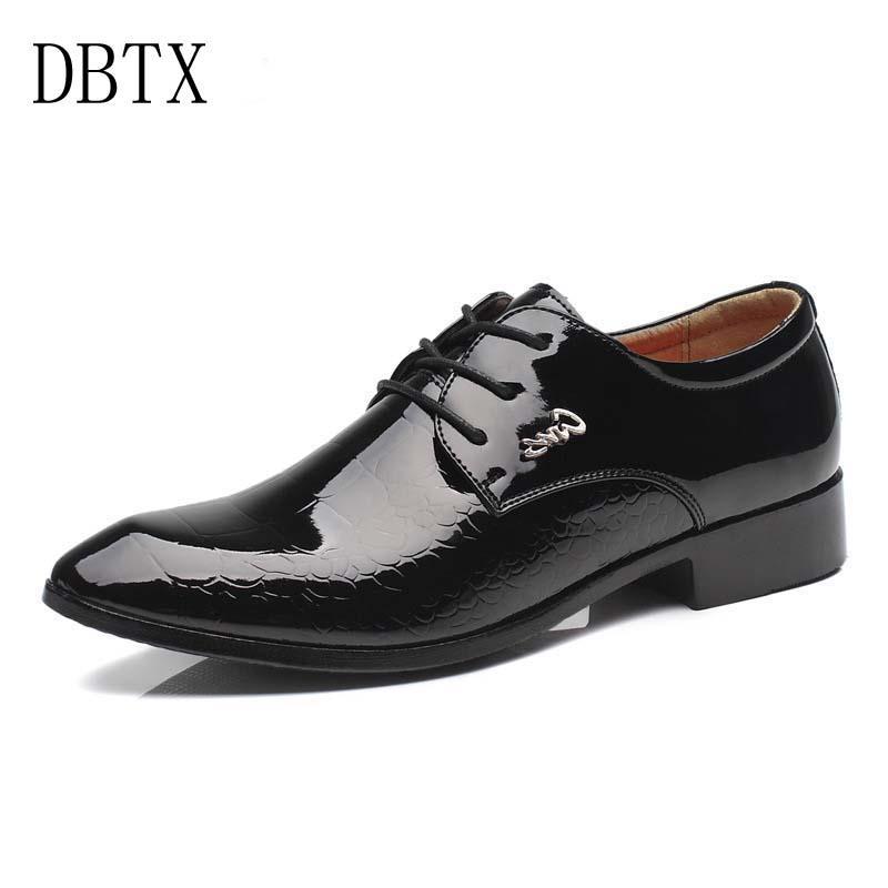 125da99e25 Compre Zapatos De Vestir Para Hombres Moda De Charol Formal Piel De  Serpiente De Cuero Punta Estrecha Bullock Oxfords Zapatos Para Hombres