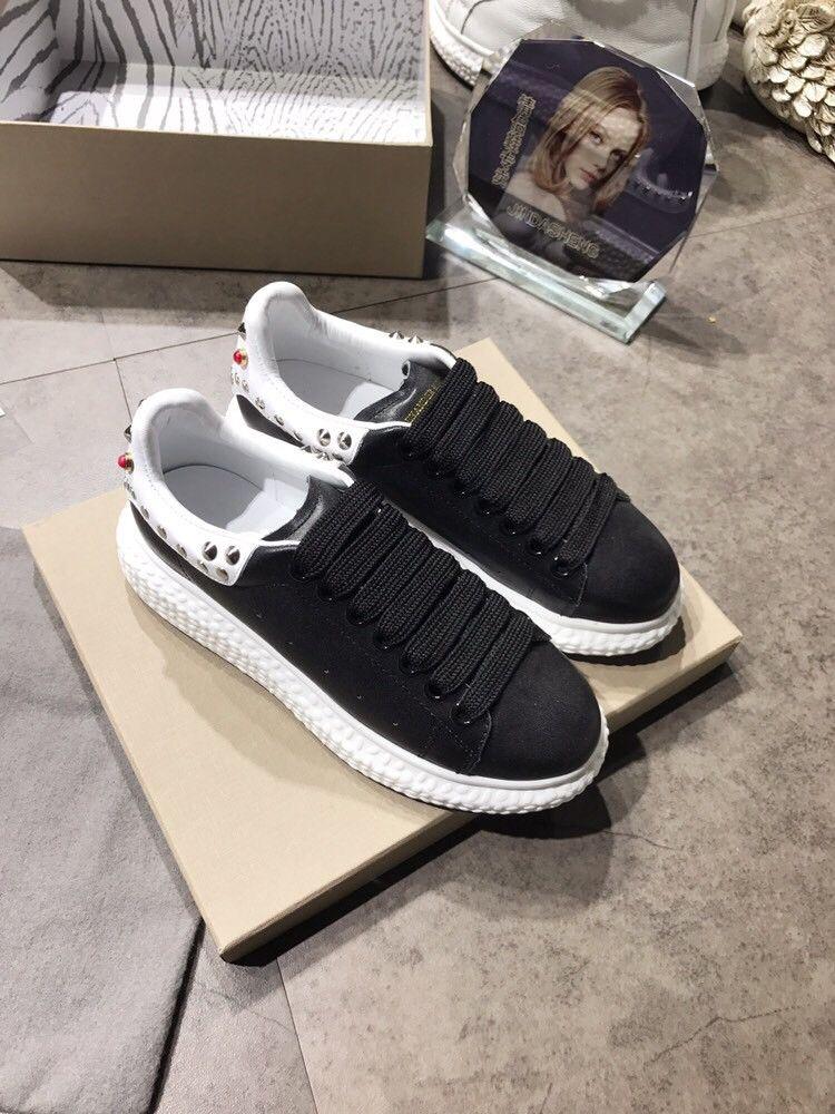 c9dc118d0a5 2018 Wholesale Men Women Designer Luxury Brand Sports Shoes Running ...
