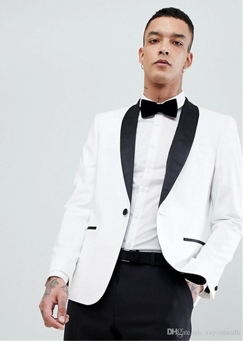 Acquista 2018 Summer White Scial Risvolto Uomo Abiti Custom Made Abiti Da  Sposa Sposo Smoking Prom Slim Fit Formal Best Man Blazer Giacca Moda +  Pantalone A ... 8373e4943c0
